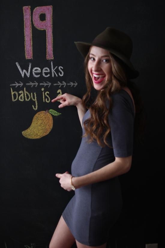 Baby Bump 19 Weeks: Mango!